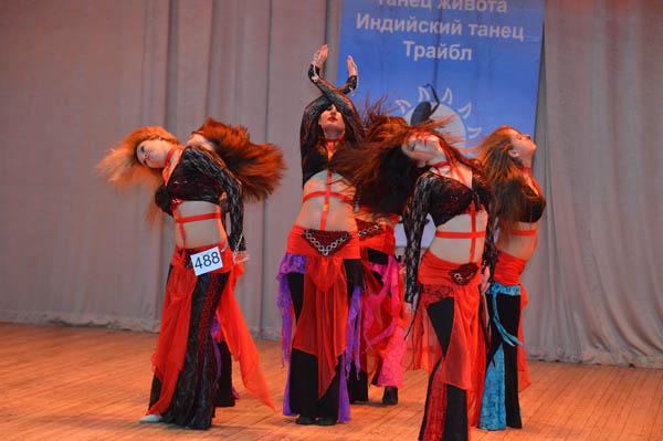 сценические, концертные  костюмы