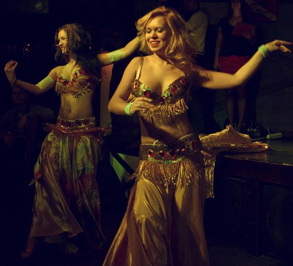 танец живота с крыльями  заказать Киев