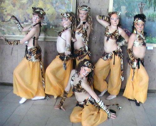фото сценических восточных костюмов для ансамблей